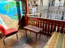 იყიდება დუპლექსის ტიპის ბინა რუსთაველის გამზირზე,ორი სახინებლით და აივნით! Duplex apartment for sale on Rustaveli Avenue, with two houses and a balcony! Продается дуплекс на проспекте Руставели, с двумя комнатами и балконом!