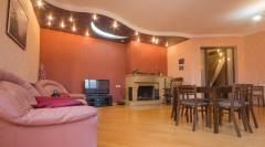 Продается 210 кв.м. Квартира на ул.  Гурам фанджикидзе