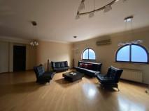 Сдаётся 430 кв.м. Квартира на ул. Палиашвили